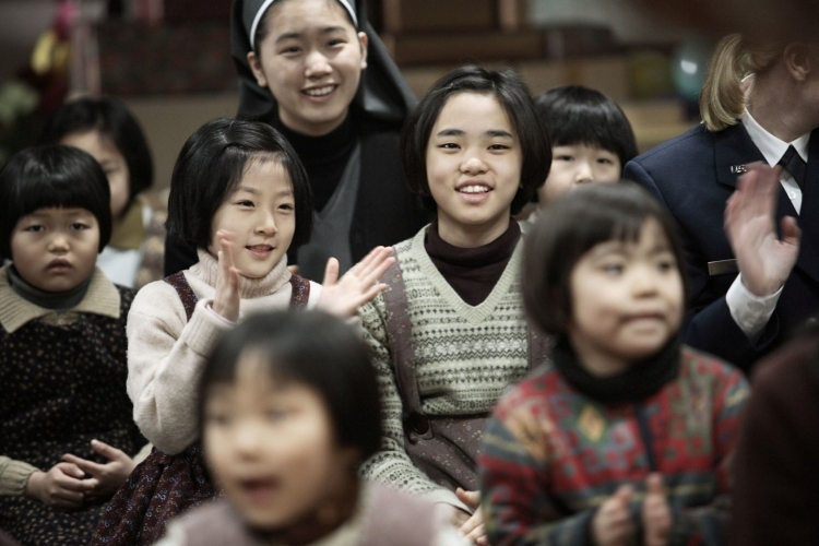 """""""Une vie toute neuve"""" : Kim Sae-ron (김새론) dans le rôle de Jin-hee (진희) et Park Do-yeon (박도연) dans le rôle de Sook-hee (숙희)"""