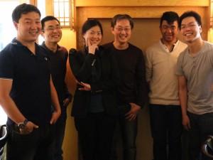 Photo de groupe par Chris Lee du déjeuner mensuel parisien de Racines coréennes de mai 2014