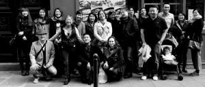 Photo groupe N&B par Jonathan P. du déjeuner mensuel parisien de Racines coréennes d'octobre 2014