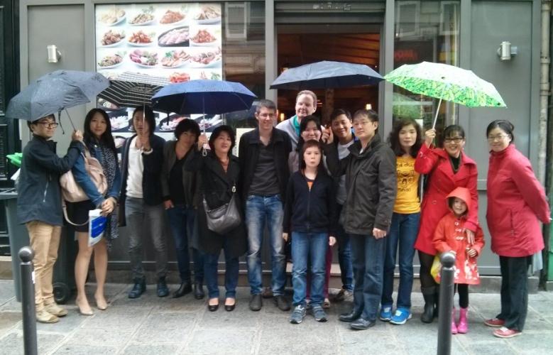 Photo de groupe du déjeuner mensuel parisien de juin 2014